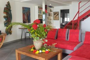 Uma área de estar em Villa Moerava