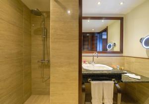 A bathroom at InterContinental Tahiti Resort & Spa, an IHG Hotel