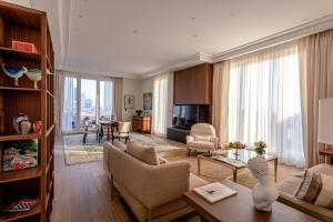 Area soggiorno di Palazzo Parigi Hotel & Grand Spa - LHW