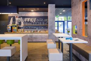 The lounge or bar area at Ibis budget Wien Sankt Marx