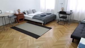 Postel nebo postele na pokoji v ubytování Семейный Номер