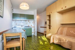 A kitchen or kitchenette at Alpine Smart Residence