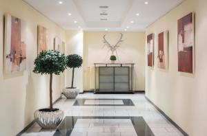 The lobby or reception area at Parkhotel am Taunus