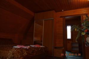 """Ліжко або ліжка в номері Відпочинковий комплекс """"Зелем'янка"""""""