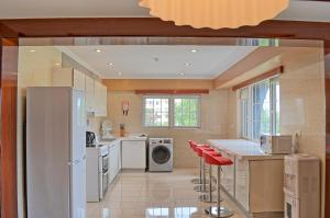 A kitchen or kitchenette at Clarence House Nairobi
