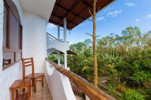 A balcony or terrace at Twin Hotel Galápagos By Rotamundos