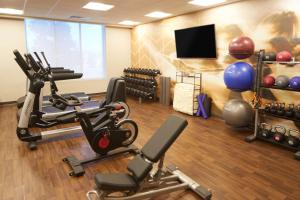 The fitness center and/or fitness facilities at Hyatt Place Las Vegas at Silverton Village