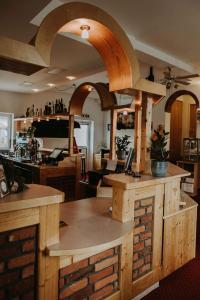 The lounge or bar area at Restaurant Gästehaus Feldkirchen