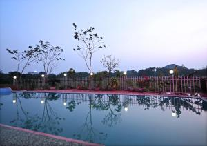 The swimming pool at or near Ninh Binh Friendly Homestay