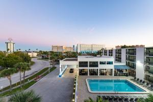 A view of the pool at Hotel Monreale Express International Drive Orlando or nearby