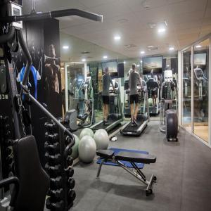 The fitness centre and/or fitness facilities at Del Pilar Miraflores Hotel