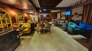 O lounge ou bar de Parkway Inn Hotel & Spa