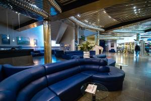 The lounge or bar area at Salute Hotel
