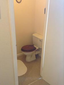 A bathroom at Park House Guest House