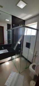 Um banheiro em Guines Palace Hotel