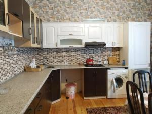 A cozinha ou cozinha compacta de Star Gabala