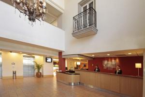 Lobby/Rezeption in der Unterkunft Holiday Inn Express - Monterrey - Tecnologico, an IHG Hotel