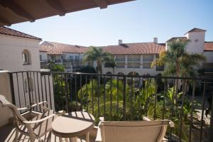 A balcony or terrace at Hyatt Regency Huntington Beach Resort and Spa