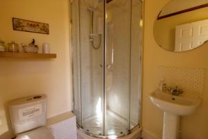 A bathroom at Moor End Guest House