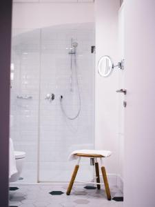 Ein Badezimmer in der Unterkunft Arthotel Blaue Gans