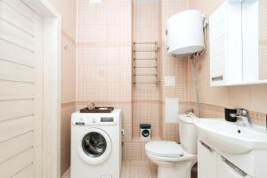 A bathroom at Two Bedroom Apartments Premium Center - Двухкомнатная квартира Центр Премиум НОВАТ, 4 спальных места, RentHouse