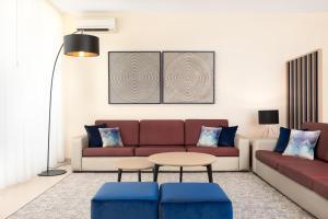 A seating area at Salgados Dunas Suites
