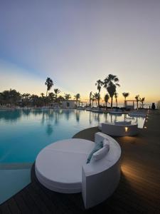 The swimming pool at or near Van der Valk Plaza Beach & Dive Resort Bonaire