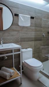 A bathroom at Soy Local Parque La 93