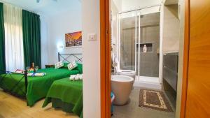 Salle de bains dans l'établissement Casa Simpatia Roma - Parcheggio Gratuito a Richiesta - Accettiamo anche Bonus Vacanza Roma !