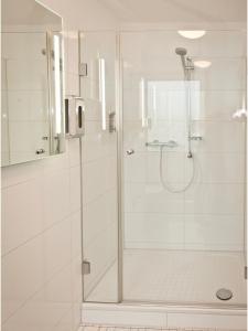 A bathroom at Hotel Edel Weiss
