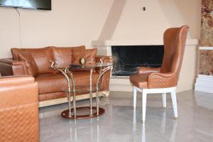 A seating area at Milling Hotel Plaza
