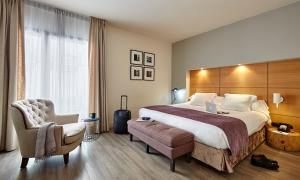 Postel nebo postele na pokoji v ubytování Hotel Barcelona Catedral
