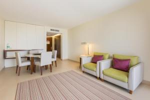 Coin salon dans l'établissement Sao Rafael Suites - All Inclusive