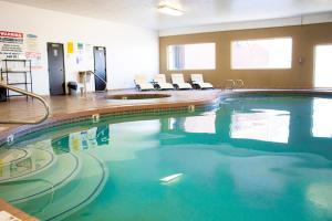 The swimming pool at or near Quality Inn Vernal near Dinosaur National Monument