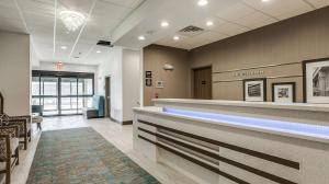 The lobby or reception area at Hampton Inn & Suites Dallas-Central Expy/North Park Area