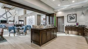 A restaurant or other place to eat at Hampton Inn & Suites Dallas-Central Expy/North Park Area