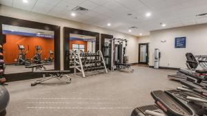 The fitness center and/or fitness facilities at Hampton Inn & Suites Dallas-Central Expy/North Park Area