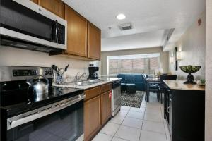 A kitchen or kitchenette at Silver Lake Resort