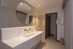 A bathroom at Pousada do Toque