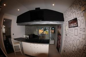 A kitchen or kitchenette at APARTAMENTOS URDAIBAI 5