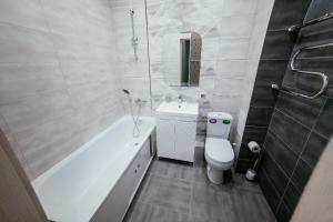 Ванная комната в Apartment on Lytkina 31