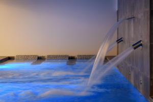 A piscina localizada em M'AR De AR Aqueduto ou nos arredores