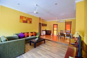 A seating area at Baan Mesuk Hua Hin Spa and Resort