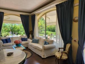 A seating area at Villa la Quercia Resort