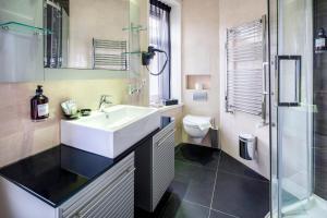 Ein Badezimmer in der Unterkunft Hotel Sint Nicolaas