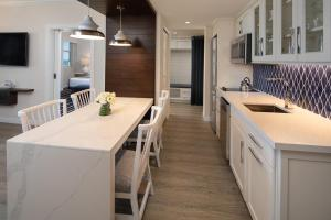 A kitchen or kitchenette at Resort at Longboat Key Club