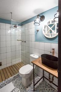 Un baño de Selina Medellin