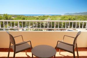 A balcony or terrace at Invisa Ereso All Inclusive