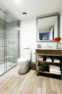 A bathroom at Snow King Resort