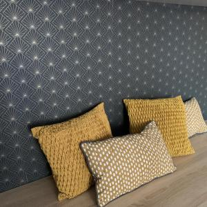 A bed or beds in a room at Versailles brand new flat 10mn walk from Palace